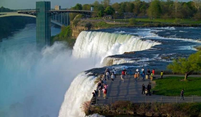 Niagara Travel Package (1).jpg